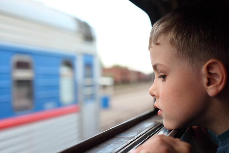 Дети на поезде одни