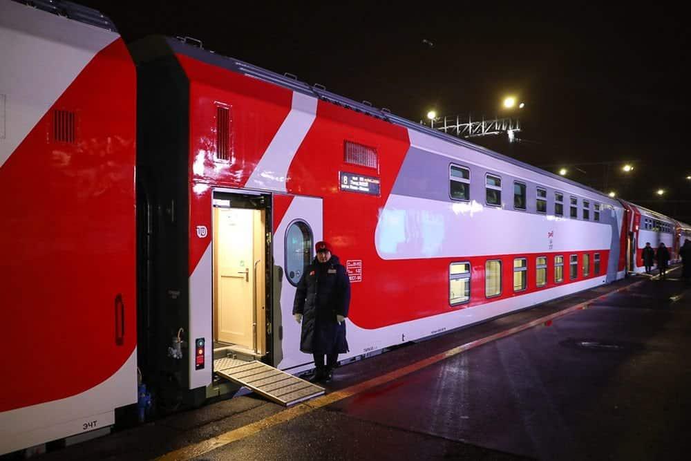 Двухэтажный поезд Москва-Крым