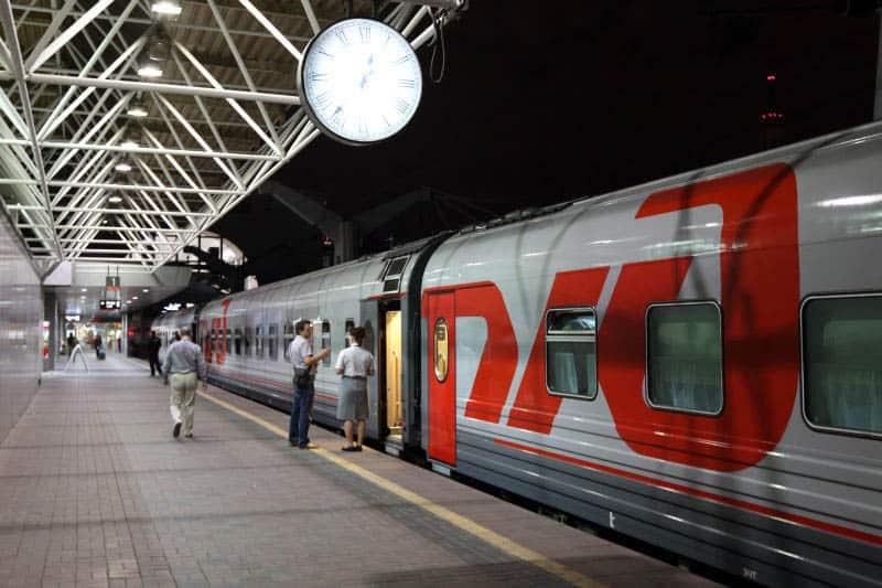 Фирменный поезд Арктика