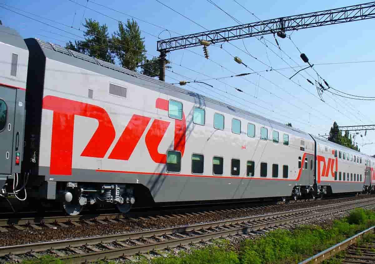 Фирменный поезд Поволжье