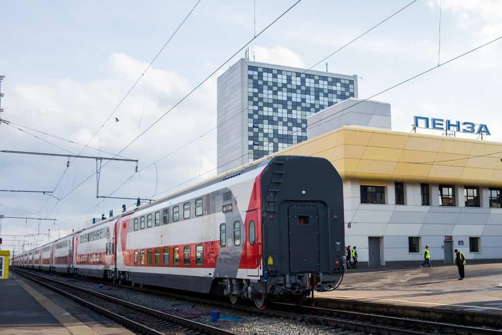 Фирменный поезд Сура