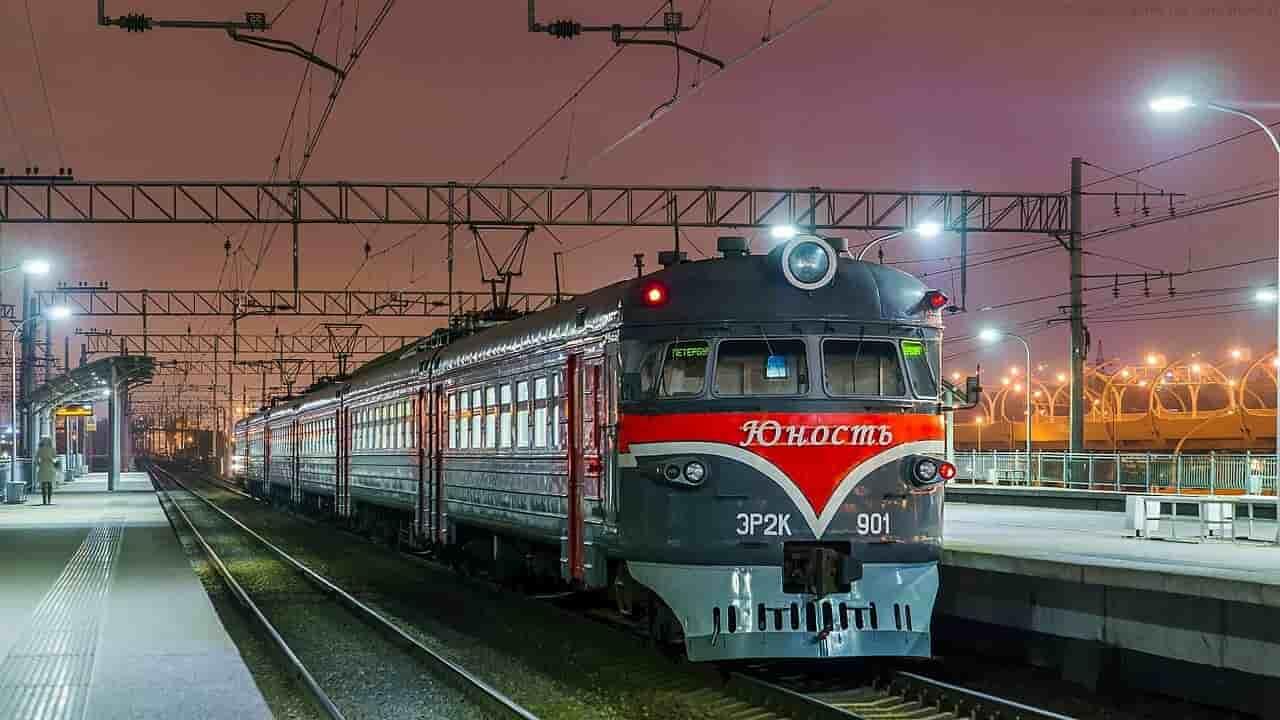 Фирменный поезд Юность