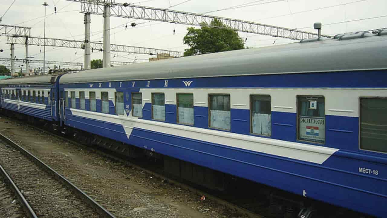Фирменный поезд Жигули