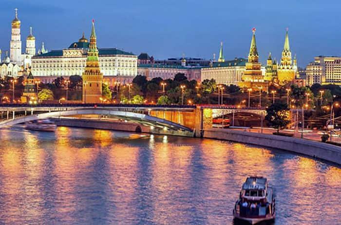 Какие теплоходы ходят в круизы из Москвы