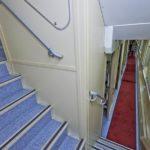 Коридор 1 этажа и лестница «Смена – А. Бетанкур»