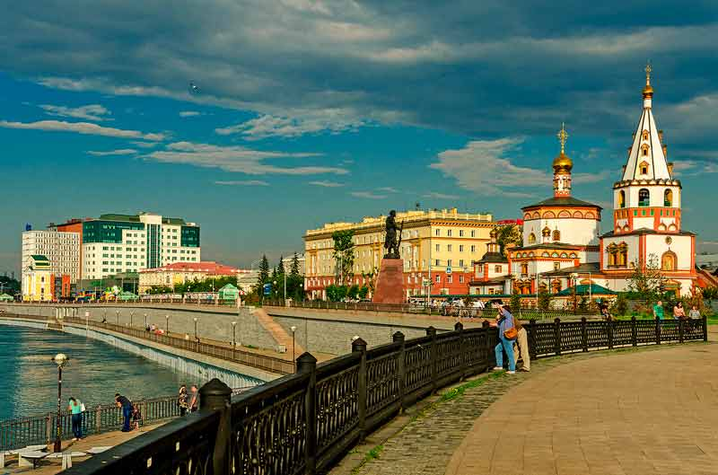 набережная в Иркутске