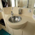 Пассажирский поезд «Ямал»: туалет