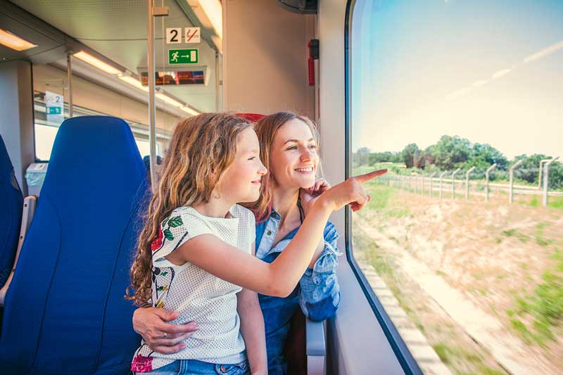 Правила для проезда родителей с детьми на поезде